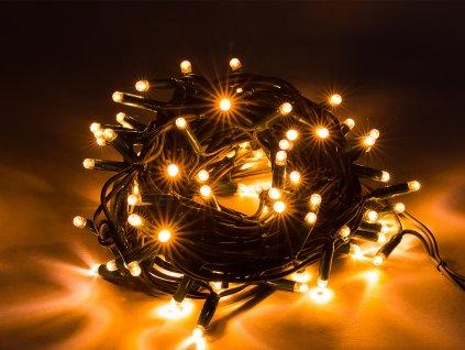 Vianočná svetelná reťaz s teplým bielym svetlom.