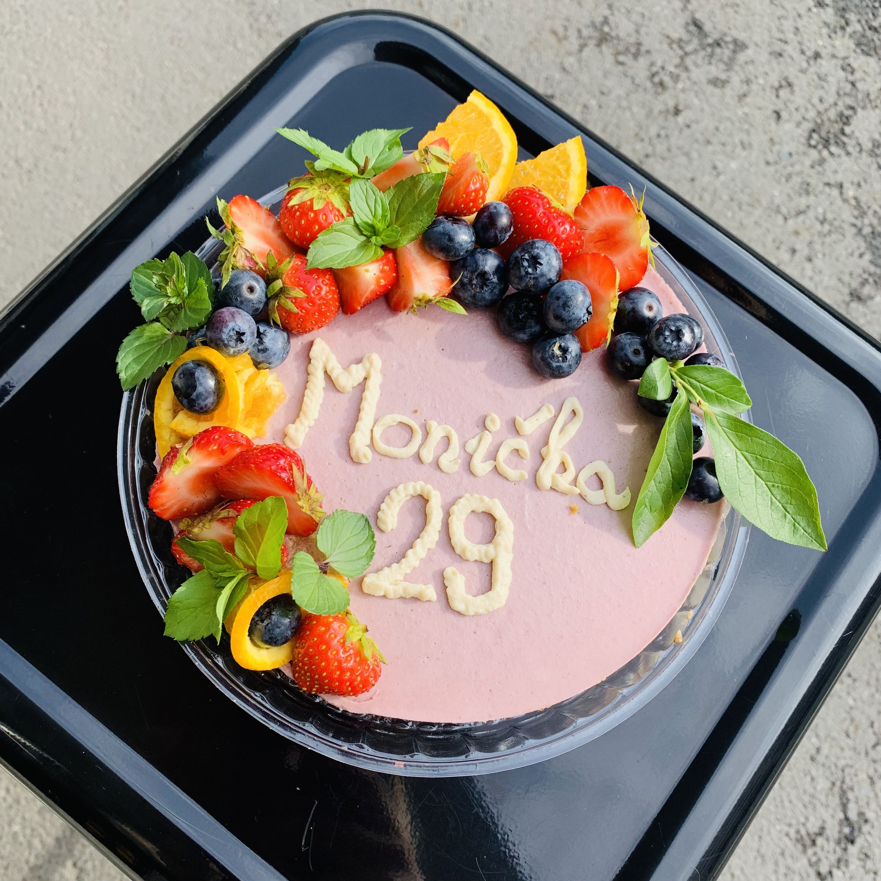 krásný dortík k narozeninám. Monička - Ostrava
