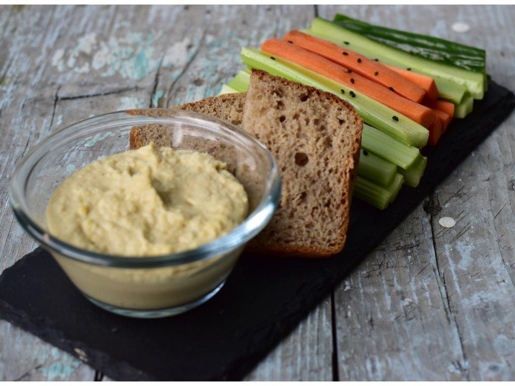Hummus bowl se zeleninovými špalíčky (9)