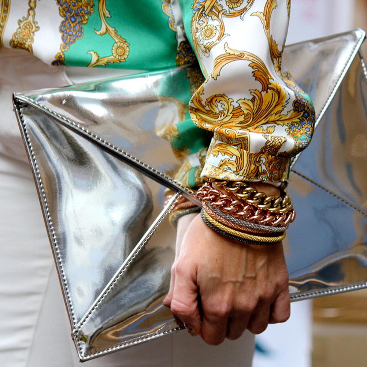 Jak nosit kovové a metalické odstíny ?
