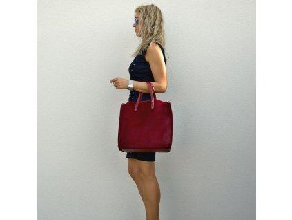 Kožená kabelka Carol s kožešinou vínová