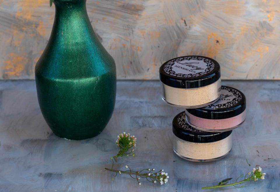 Lucy Minerals: Voděodolný a pefektně pigmentovaný minerální make-up