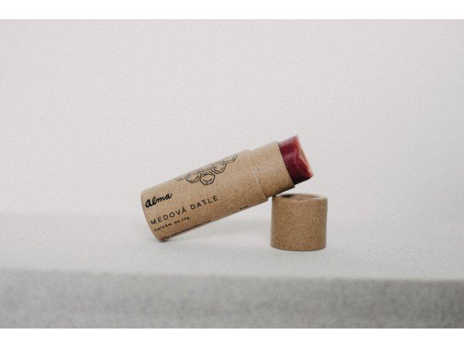 Alma prirodni balzam na rty v papirove tube medova datle
