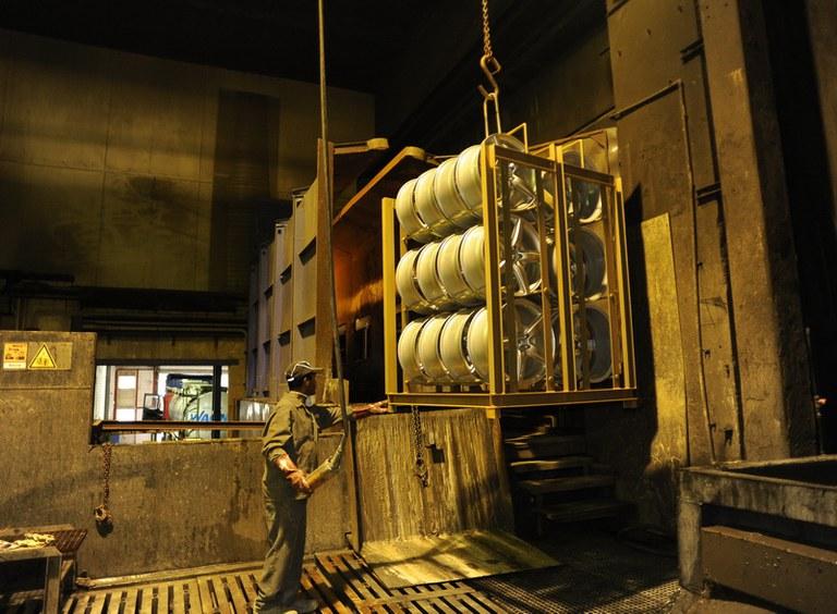 Chemické odlakování alu kol v Kladně do 48h