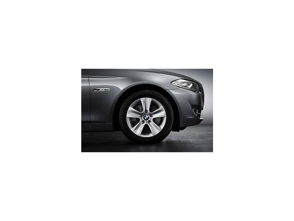 Zimní sada alu kola BMW F10, F12 STYLING 327 8x17 5/120 ET30 s pneumatikou 225/55 R17 97H