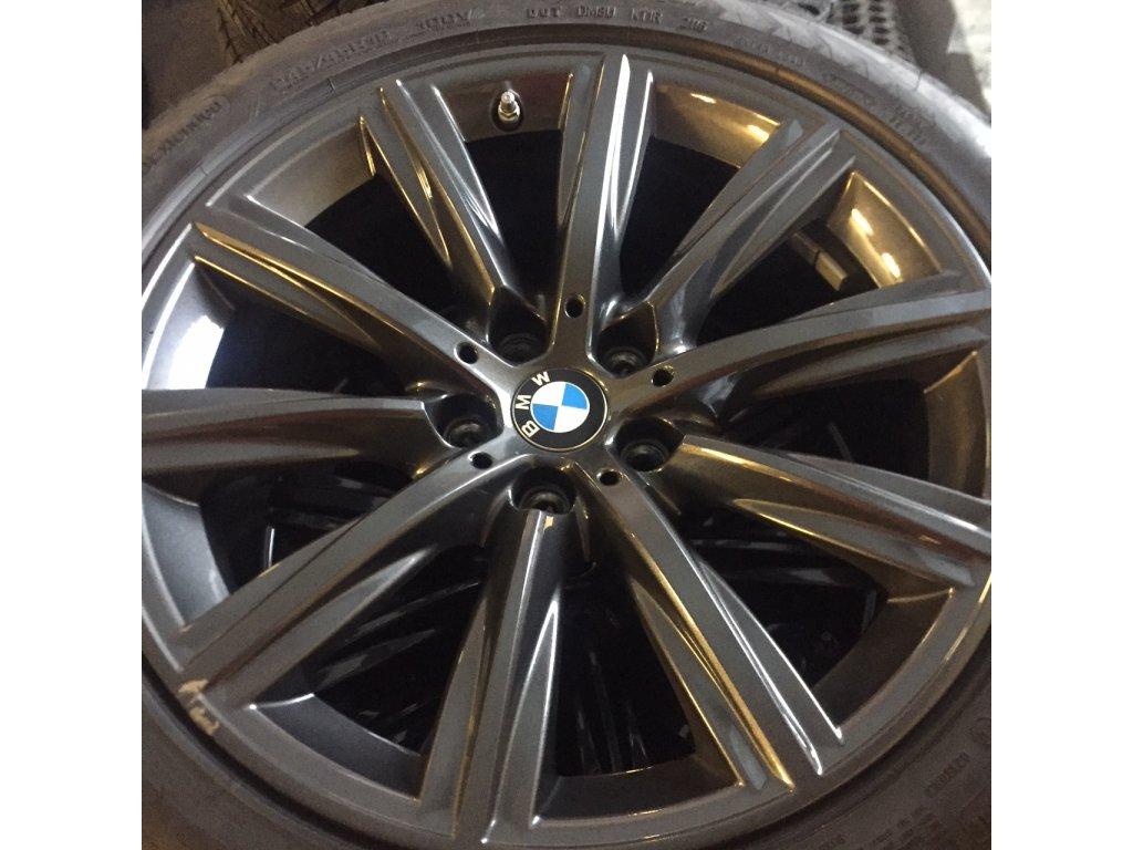 BMW 5 G30 zimní sada STYLING 684 orbitgrey 8x18 5/112 ET30 včetně pneumatik 245/45 R18 100V Goodyear Ultra Grip 8 Performance* MOE RSC a čidel tlaku RDC