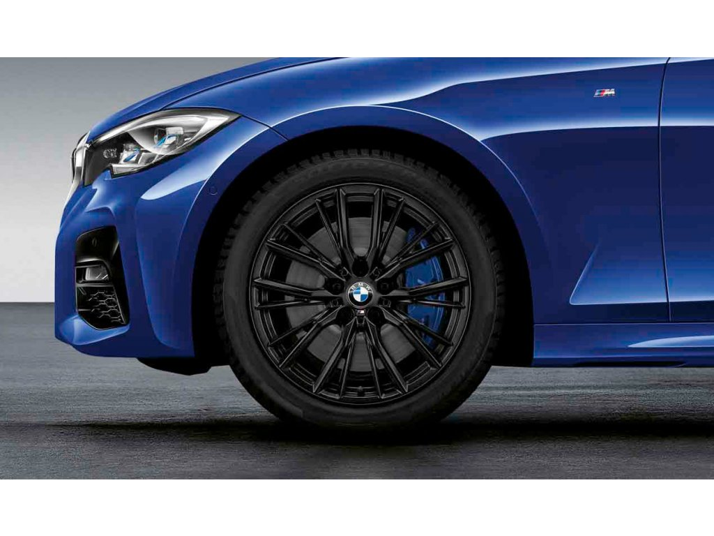 Zimní sada BMW 3 G20 a BMW 4 G22 STYLING 796 M Performance v rozměrech 7,5x18 ET25 a 8,5x18 ET40 včetně zimních pneumatik 225/45 R18 95V XL a 255/40 R18 99V XL Pirelli Winter Sottozero 3* RSC a čidel tlkaku RDCi