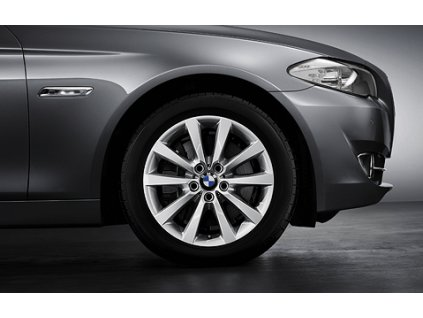 Letní sada alu kola BMW F10, F12 STYLING 328 8x18 5/120 ET30 s pneumatikou 245/45 R18 96Y
