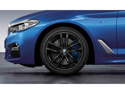 Zimní sada BMW 5 G30 STYLING M662 černé 8x18 ET30 včetně zimních pneumatik 245/45 R18 100V XL Ultra Grip 8 Performance* MOE RSC a čidel tlaku RDCi