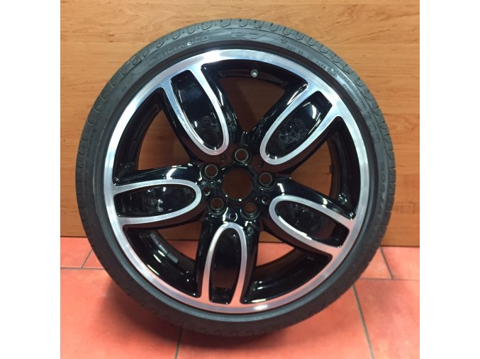 Letní sada alu kola BMW MINI F55.56,57 STYLING 509 7x18 5/120 ET54 s pneu 205/40 R18 86W Pirelli P7 RSC a čidel tlaku RDC