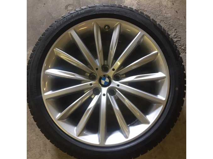 Zimní sada BMW 5 G30 STYLING 633 8x19 5/112 ET30 včetně pneumatik 245/40 R19 98V Pirelli Winter Sottozero 3* MOE RSC a čidel tlaku RDC