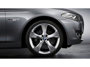 Letní sada alu kola BMW 1 E81, E82, E87 a E88 STYLING 311 7,5x18 ET49 a 8,5x18 ET52 5/120 s pneu 215/40 R18 a 245/35 R18