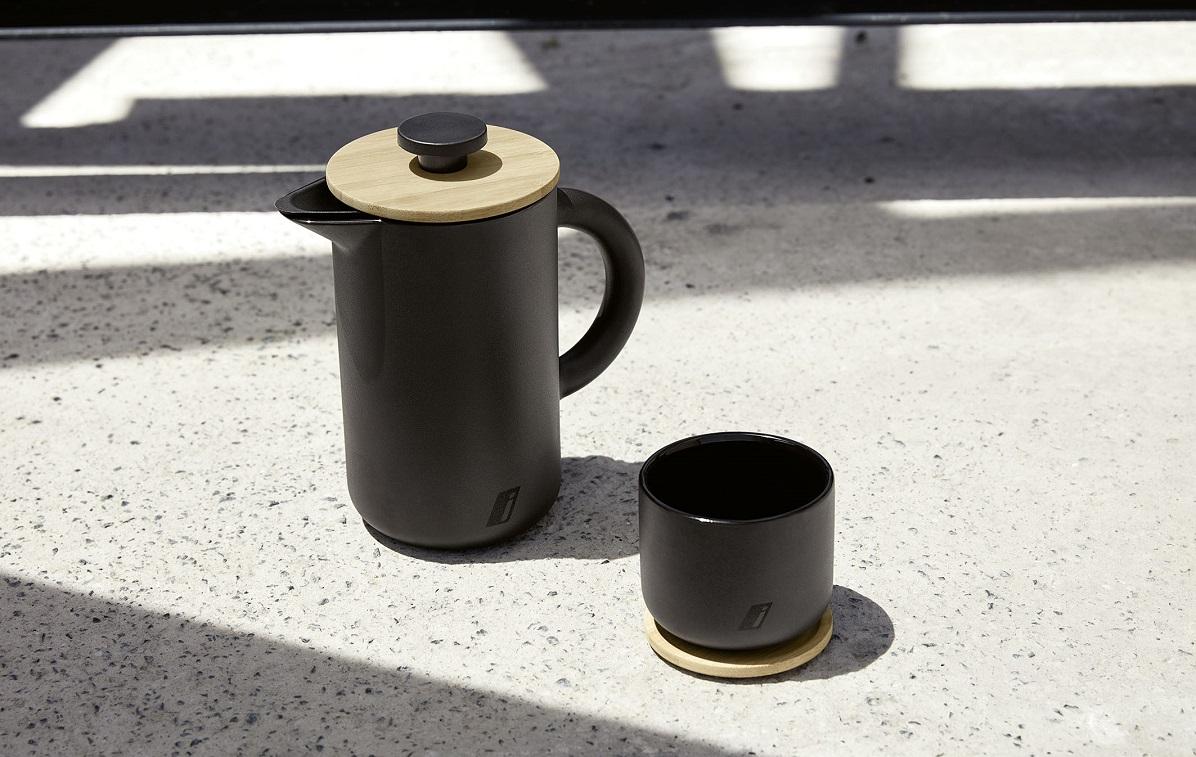 bmw i šalka a čajník