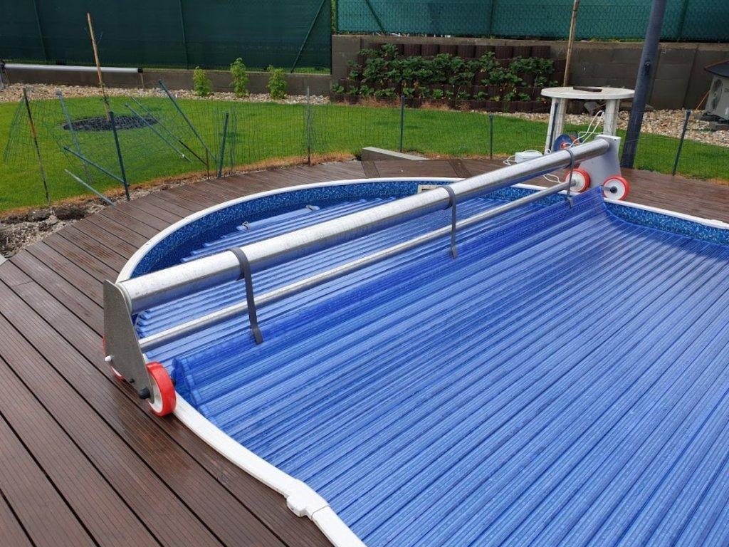 Oválné bazény