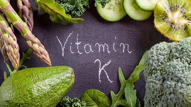 Vitamín K - důležitý pomocník na osteoporózu