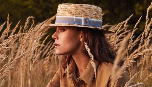 Dámský letní slaměný Boater klobouk / žirarďák s duhovou stuhou