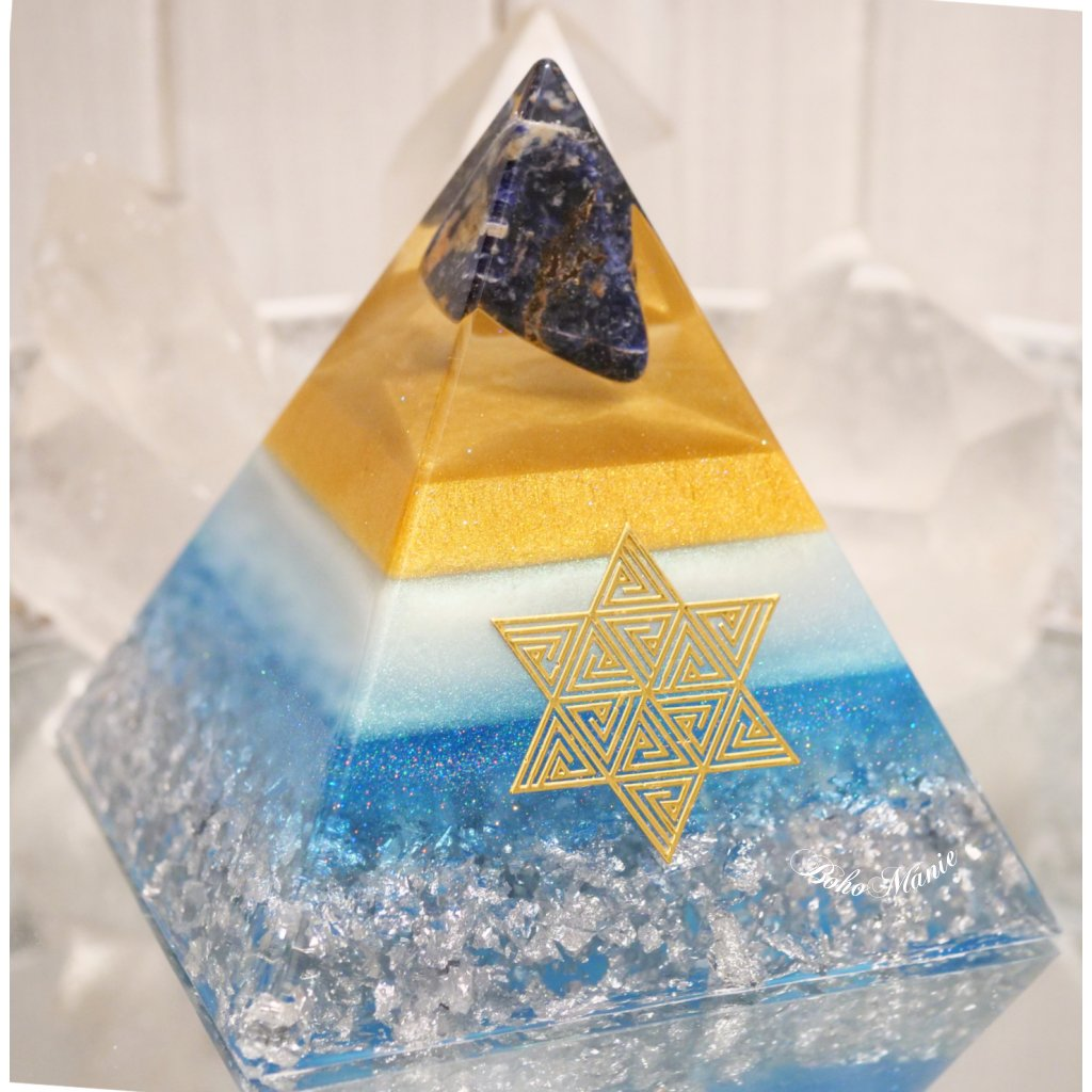 orgonit,pyramida,znovuzrozené,labradorit,srdce,sodalit,záhněda,květ života