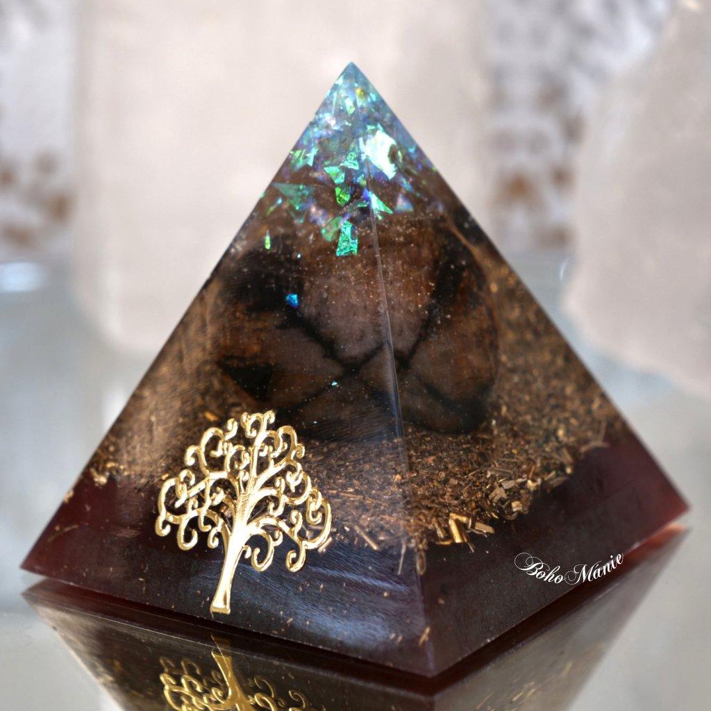 orgonit,pyramida,chiastolit,vytrvalost,metatronova krychle
