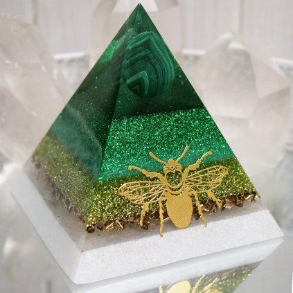orgonit,pyramida,malachit,křišťál, přiroda,strom života