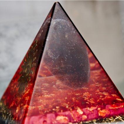 orgonit,pyramida,záhněda,křišťál,fantom,slunce