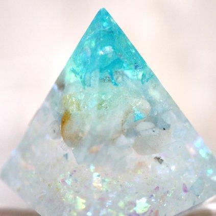 orgonit,pyramida,lepidolit,cho ku rei, receptivní energie