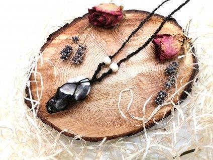 Náhrdelník s minerálnym kameňom