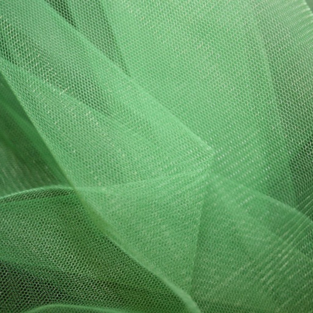 Spodničkový tyl středné silný bez lesku zelený