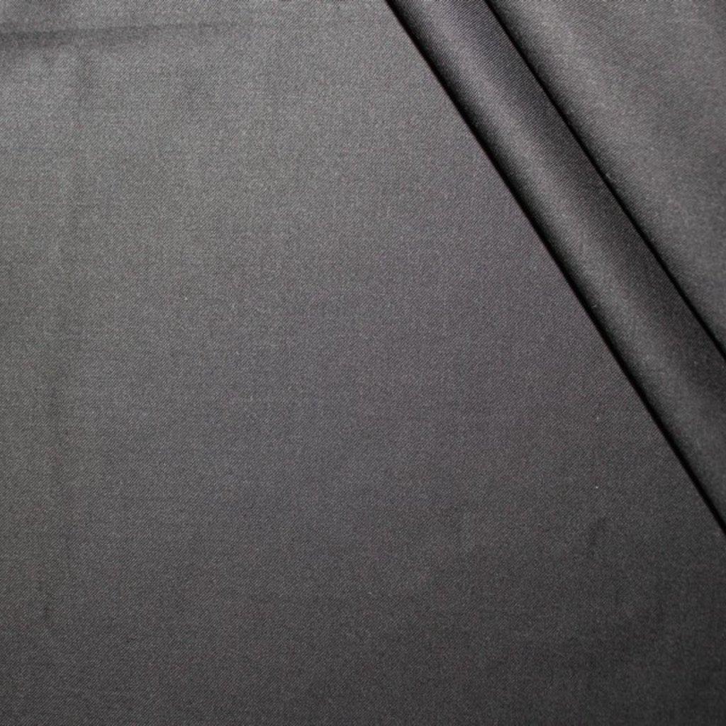 Polyestrová látka černá