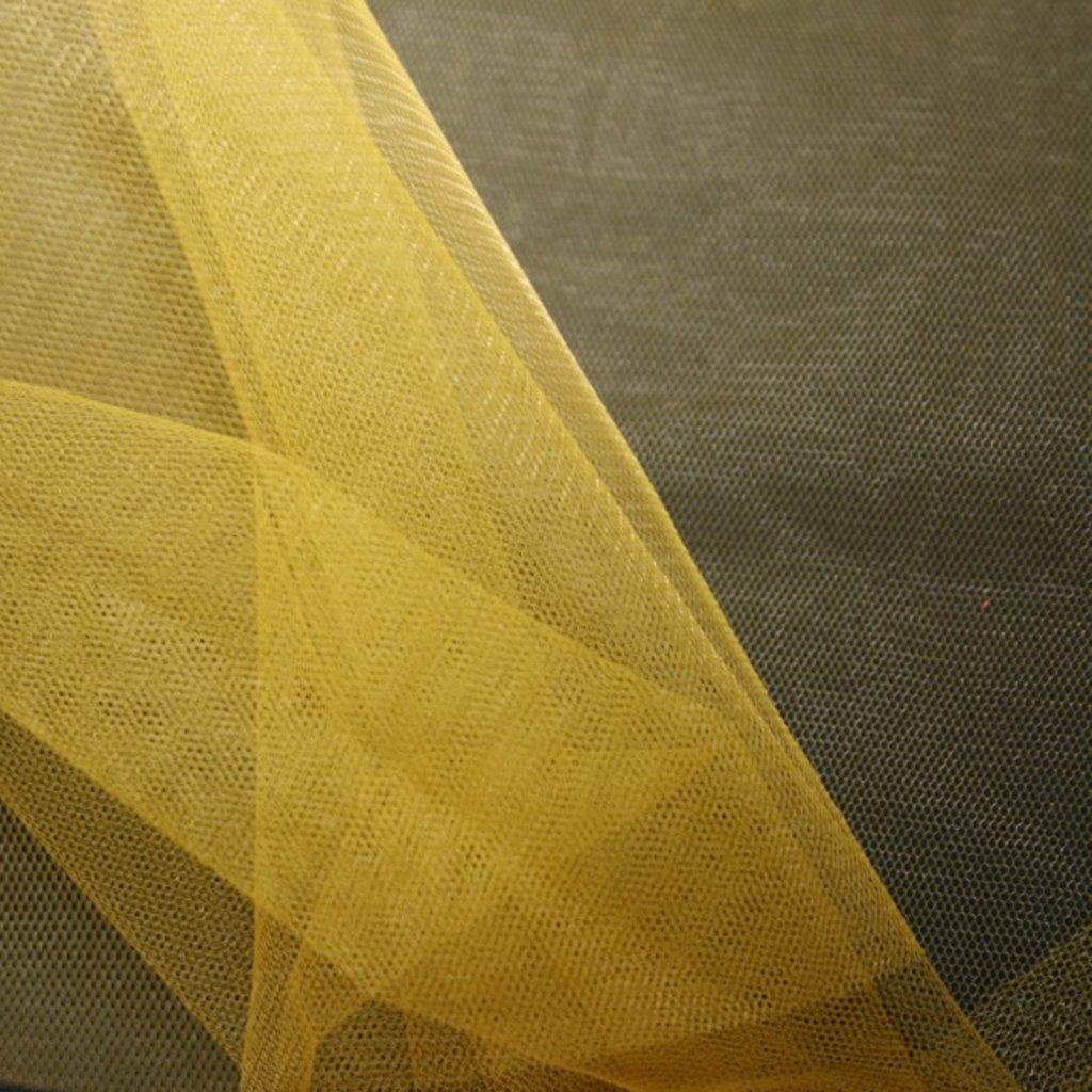 Spodničkový tyl středné silný bez lesku tmavě žlutý