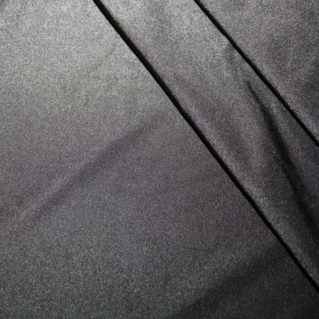 Úplet jednobarevný černý