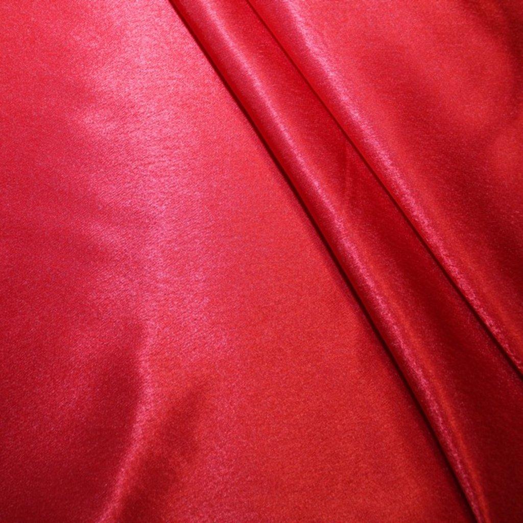 Satén červený