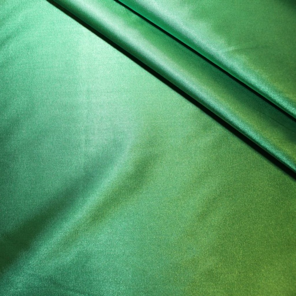 Satén zelený