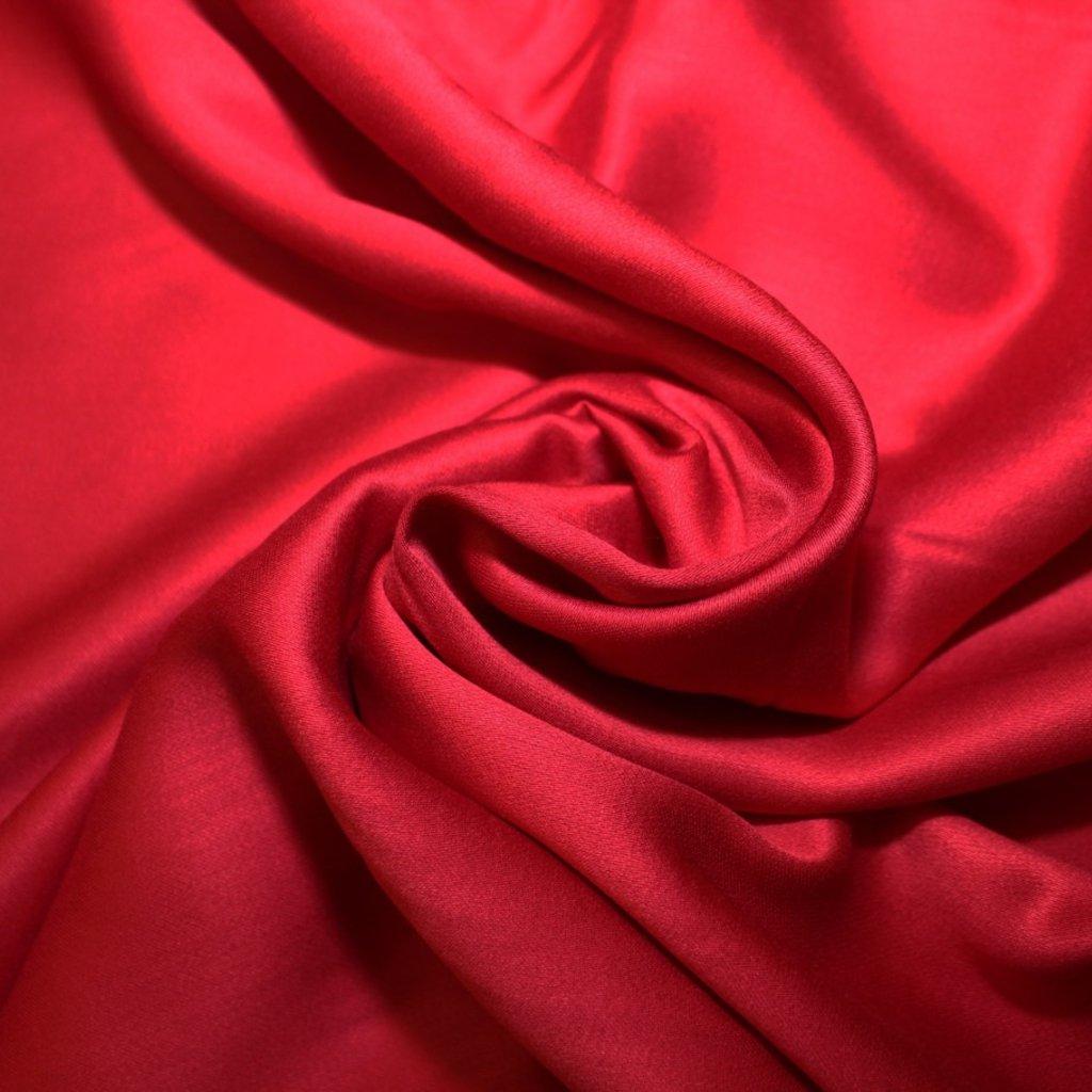 Viskóza světle červená