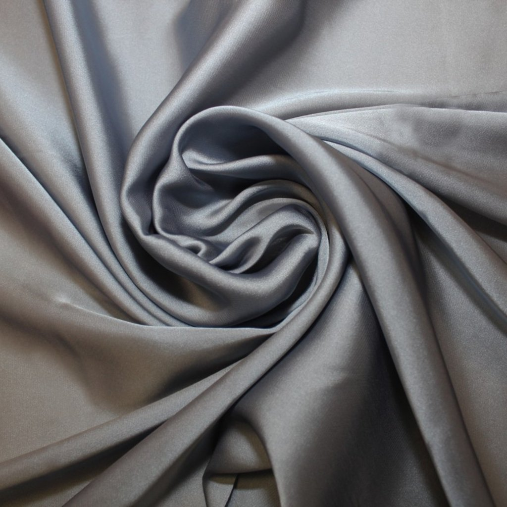 Satén prádlový stříbrný