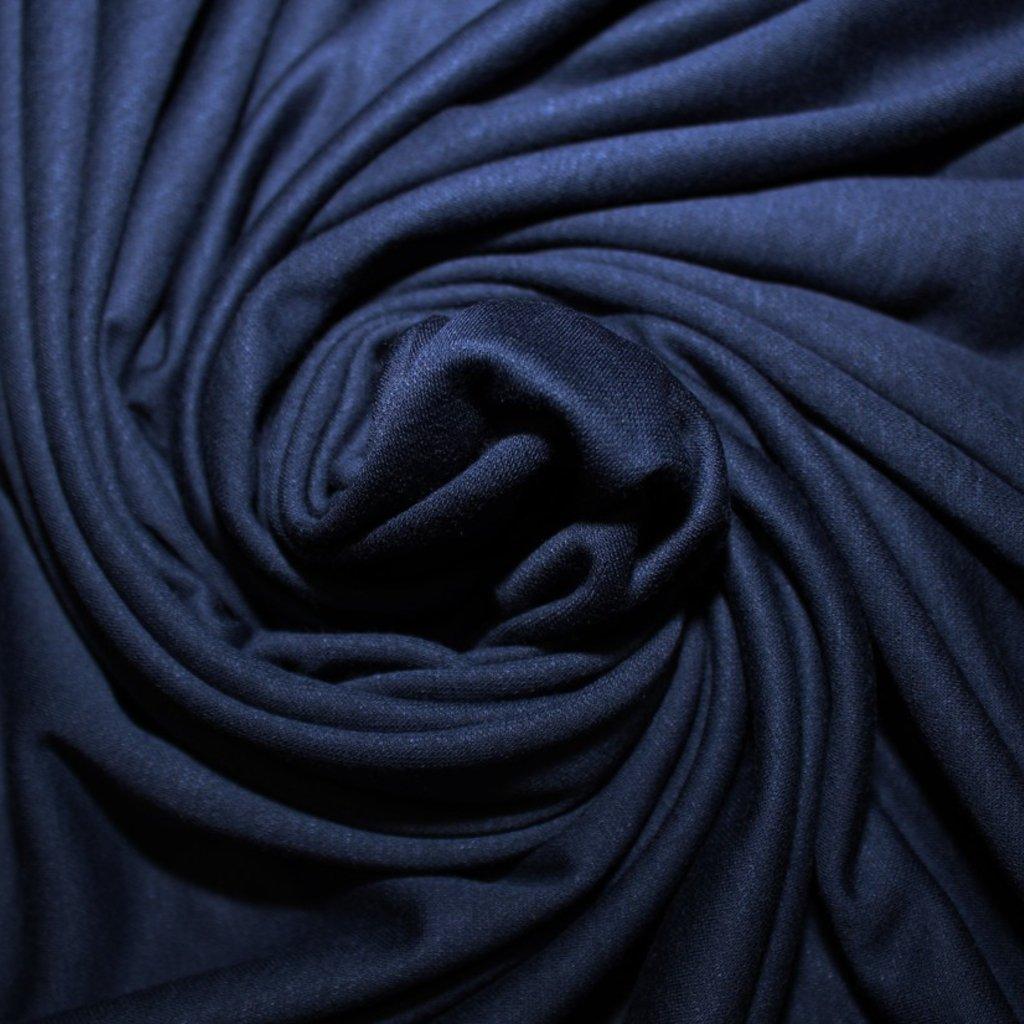 Úplet tmavě modrý