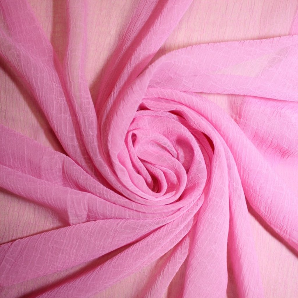 Šifon krešovaný světle růžový