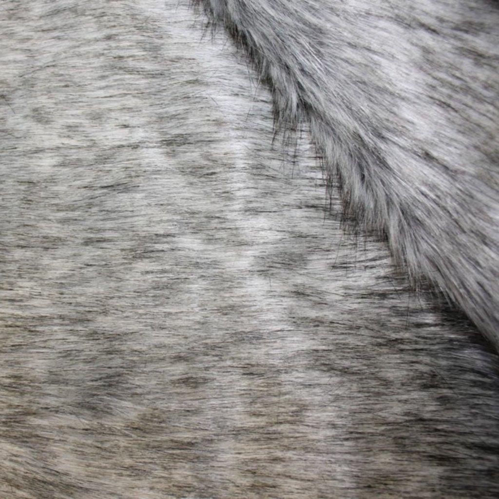 Kožešina šedá