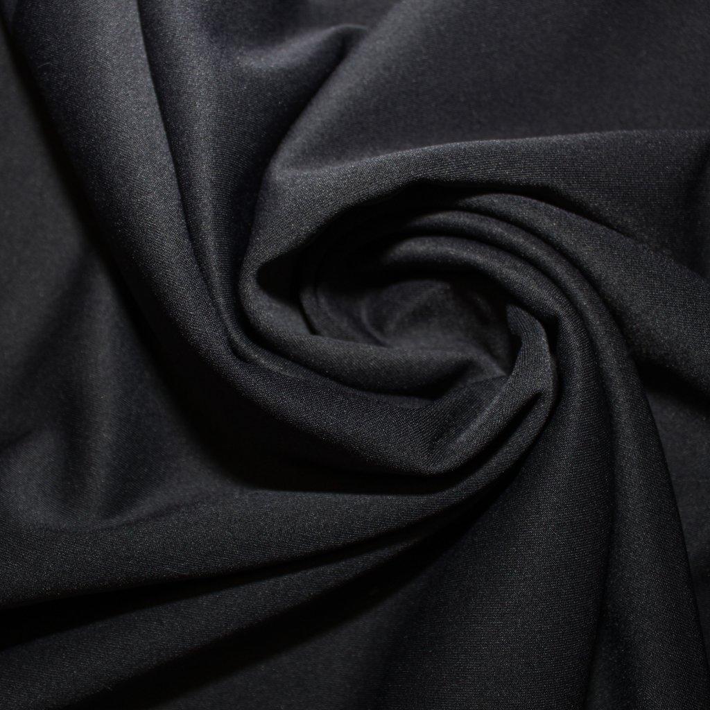 Úplet silnější černý