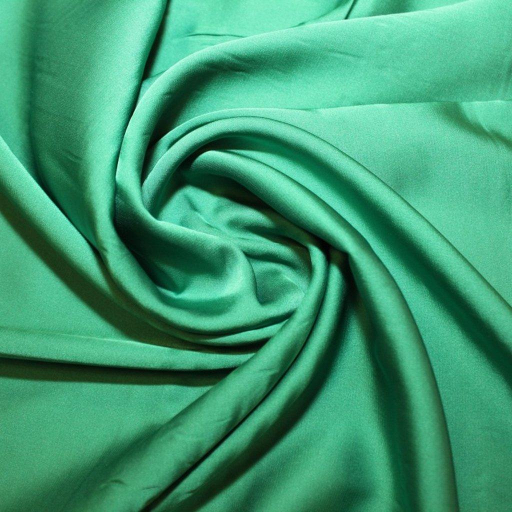 Satén jemný prádlový zelený