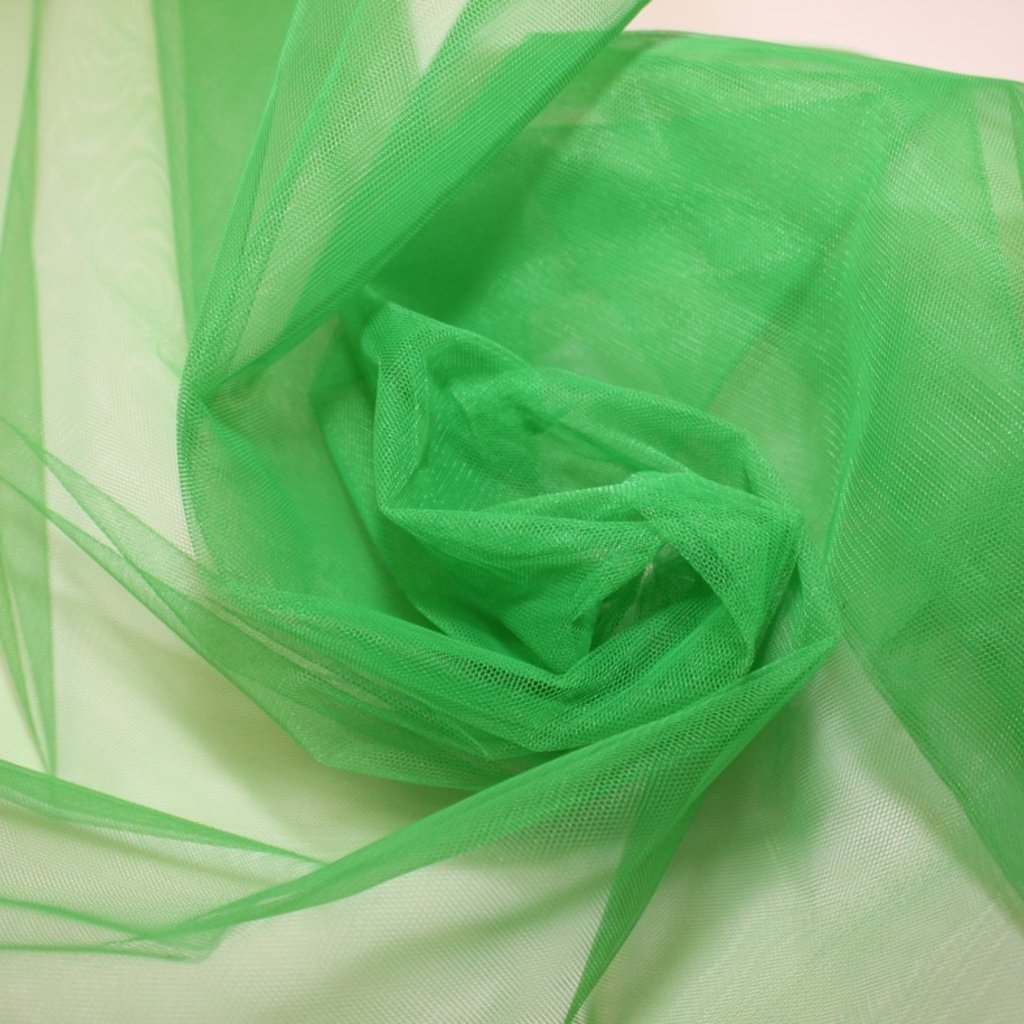 Tyl zelený středně silný