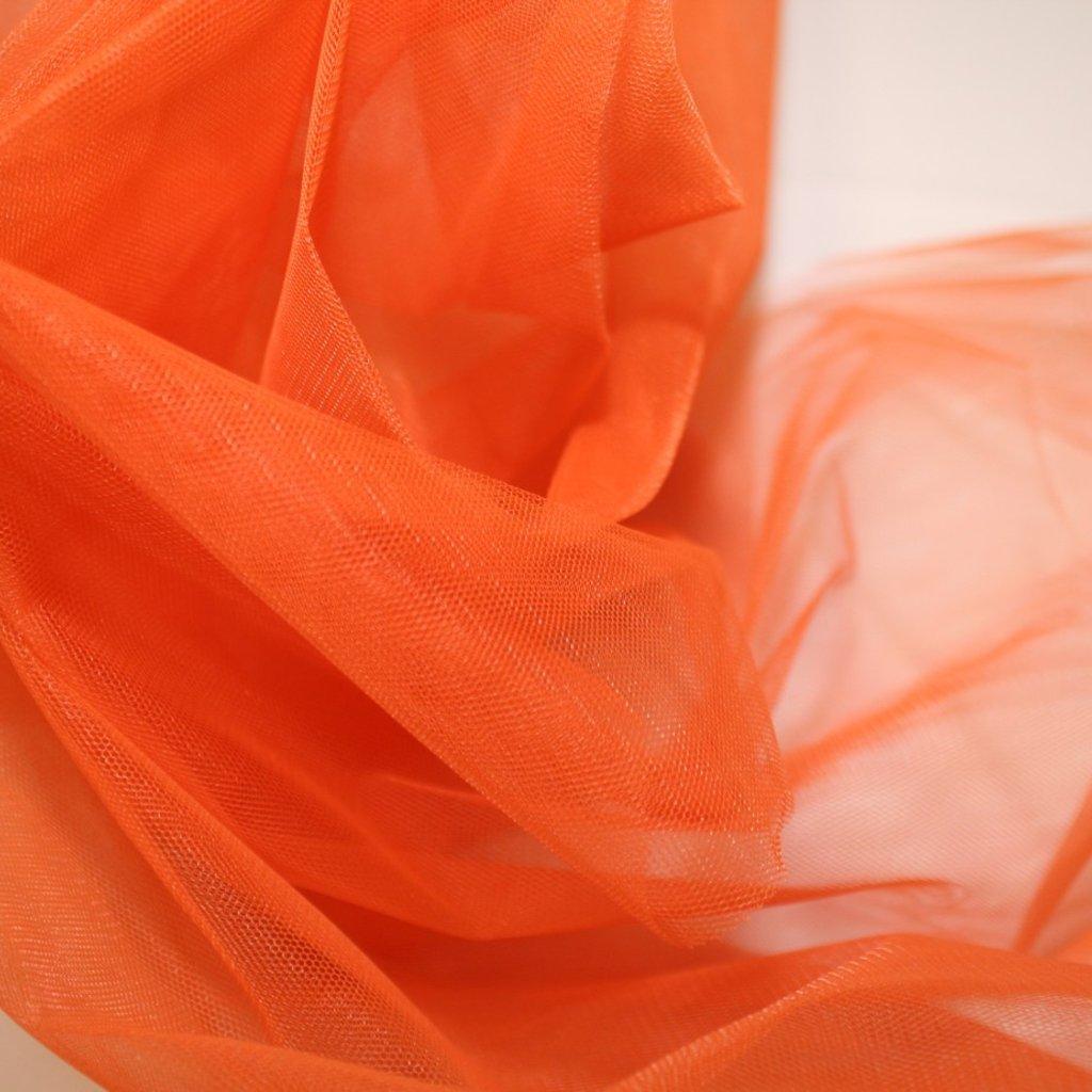 Tyl oranžový středně silný