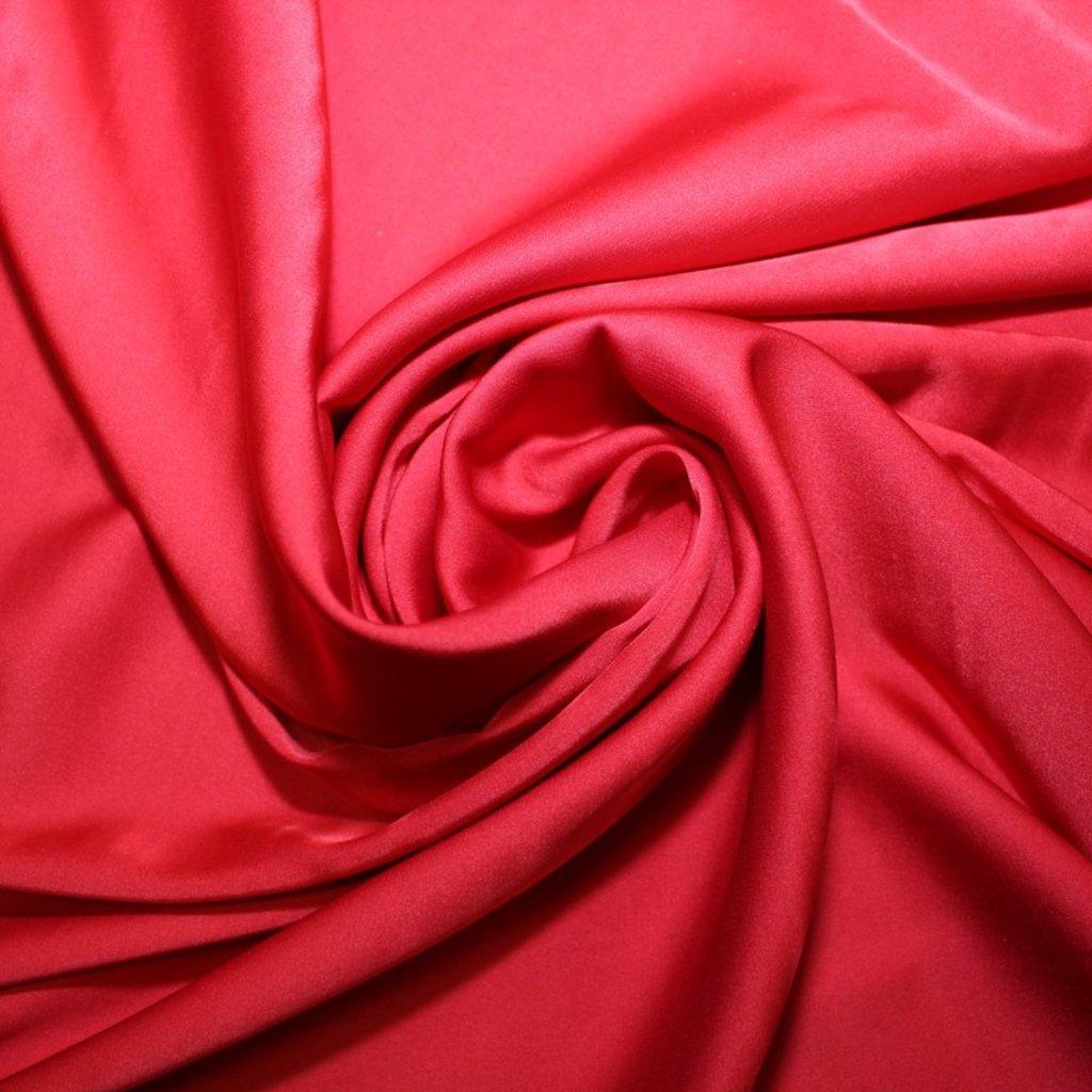 Satén jemný červený