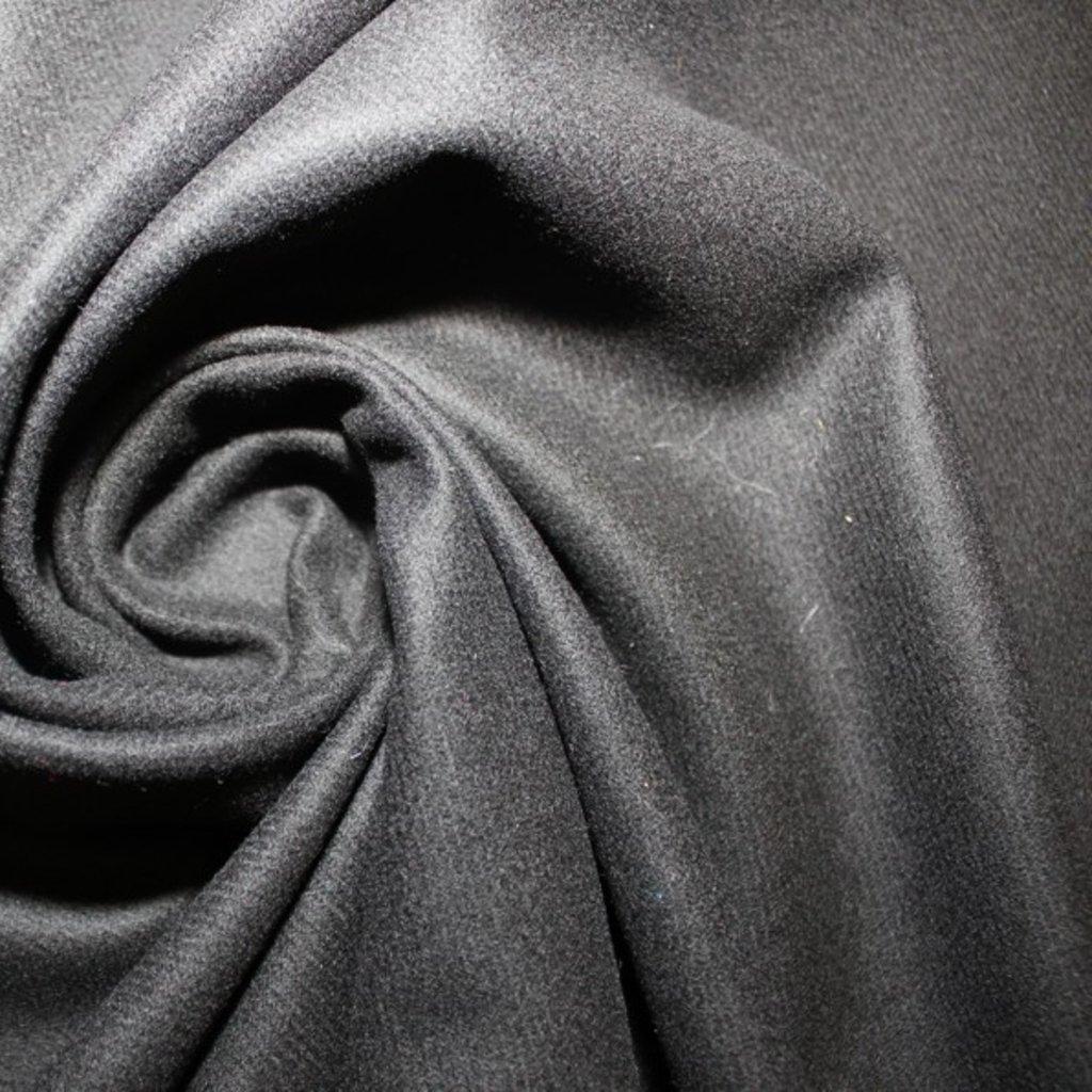 Flauš – černý