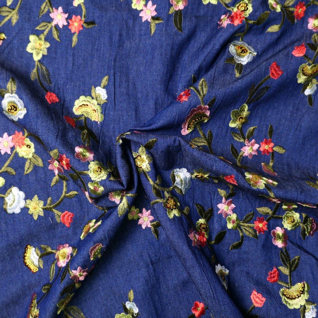 Bavlna džínová s květinovou výšivkou
