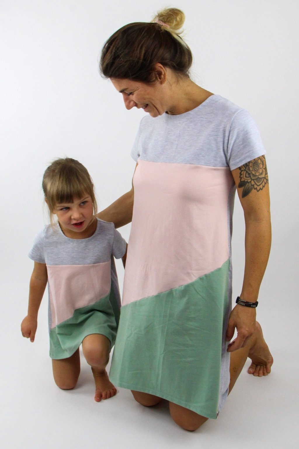 BomBamBino SET Šaty Volné Tříbarevná6