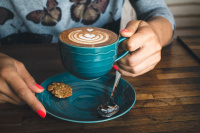 foodiesfeed.com_dreamy-flatwhite-coffee-with-perfect-latte-art_small
