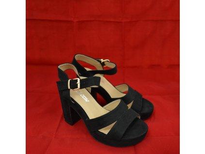 Boty Černé na Podpadku (Pohled ze strany)