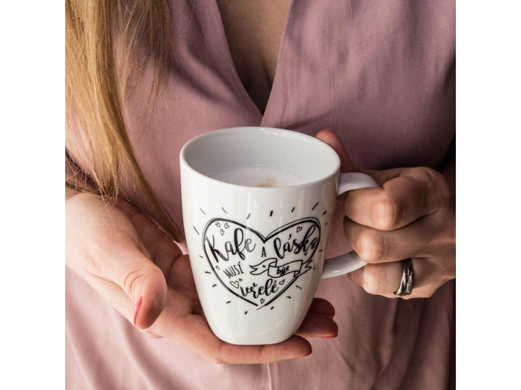 Vřelé kafe,vřelá láska