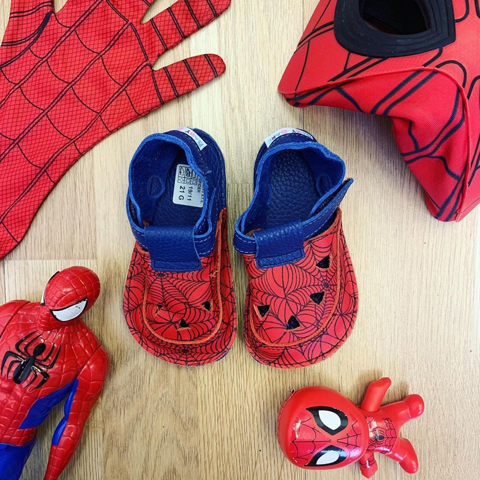 baby-bare-shoes-spider-2