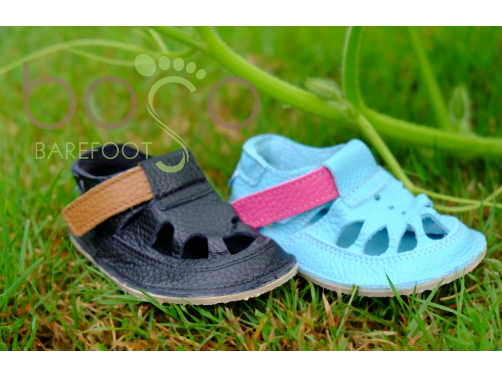 baby bare shoes lion 3